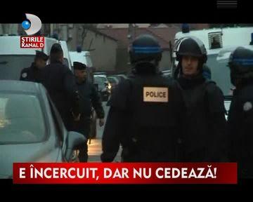 Stare de asediu in Franta. Un terorist armat pana in dinti s-a baricadat intr-o cladire VIDEO