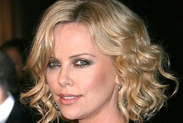 Charlize Theron a devenit mamica. Afla ce sex are copilul!