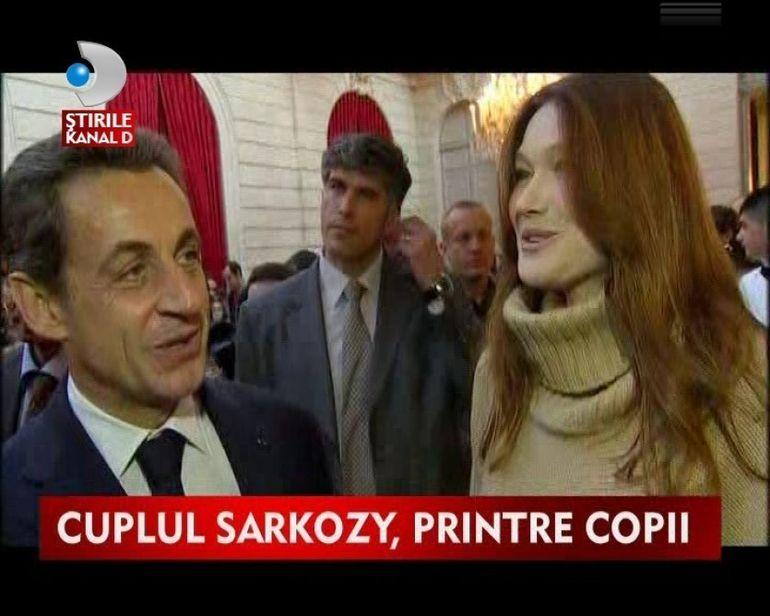 Nicolas Sarkozy si Carla Brun, prima aparitie in public dupa nasterea fetitei lor VIDEO