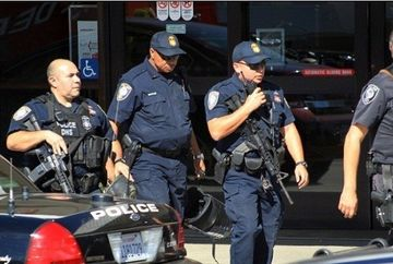Atac fara precedent in aeroportul din Los Angeles: Autorul a trimis mesaje incoerente familiei inainte de atac