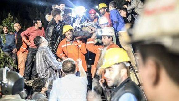 TRAGEDIE DE PROPROTII in Turcia. Bilantul catastrofei miniere din Soma a ajuns la 299 de morti