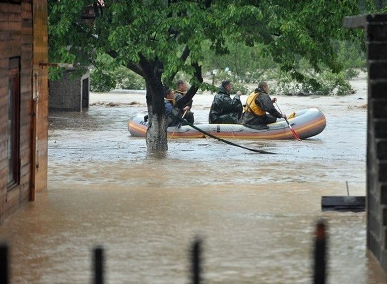 Bosnia si Serbia se confrunta cu cele mai GRAVE ploi din ultimii 120 de ani: 30 de oameni au murit. 15.000 de persoane au fost evacuate