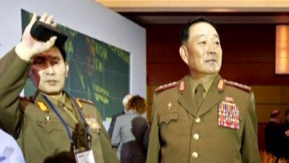 Seful armatei nord-coreene a fost executat pentru ca ar fi adormit in timpul unei intalniri