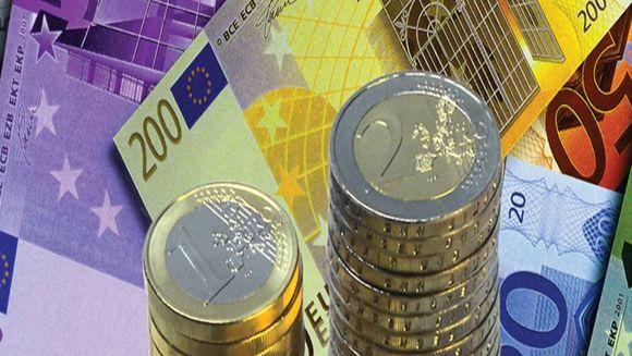VESTI BUNE. Moneda Euro a scazut pentru prima data in ultimele cinci luni