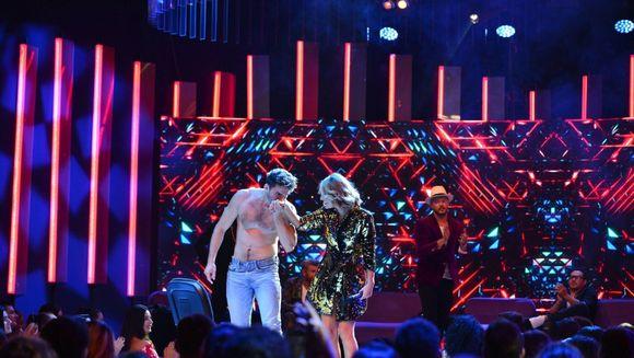 """Dans periculos, in aceasta seara, la """"Vulturii de Noapte""""! Alex Nedelcu a dansat mai sexy ca niciodata!"""