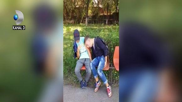 """ZOMBIE"", fenomenul care face ravagii in randul tinerilor! Nu ratati un reportaj tulburator, marca ""Asta-i Romania"", duminica, de la ora 17:15, la Kanal D!"