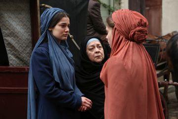 """Yildiz, nevoita sa se casatoreasca cu medicul Mustafa Sami! Afla la ce gest extrem recurge tanara pentru a se salva din casnicia nedorita, in aceasta seara, in """"Patria mea esti tu!"""", de la 20.00, la Kanal D!"""