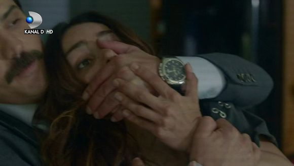 """Guclu si Burcu, in pericol de moarte! Cei doi cad in capcana pusa la cale de Oktay! Iata la ce gesturi necugetate recurge procurorul in incercarea disperata de a se salva, in aceasta seara intr-un nou episod captivant din """"Meryem"""", de la ora 20:00, la Kan"""