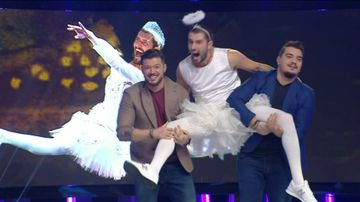 """Nu ratati o editie incendiara """"Vulturii de noapte"""", prezentata de Victor Slav, Catalin Cazacu si Bursucu, duminica de la ora 23:15, la Kanal D!"""