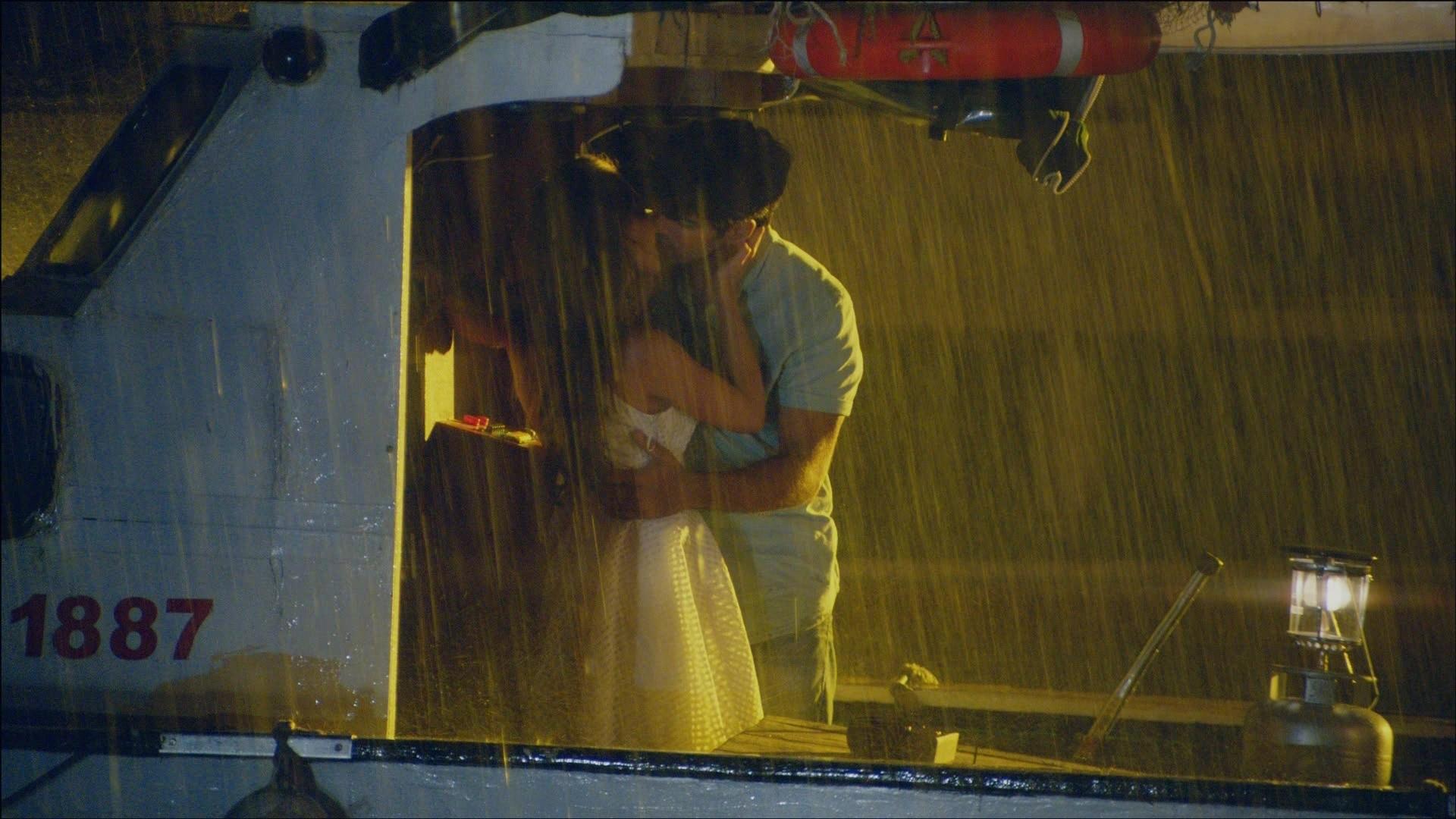 IMAGINI INEDITE cu scenele primei nopti de DRAGOSTE dintre Kemal si Nihan! Dragostea celor doi protagonisti a fost IMPOSIBILA, insa ipostazele lor de iubire vor ramane pentru totdeauna in inimile fanilor