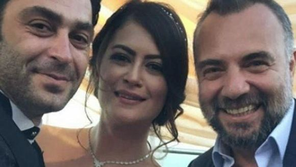 """Cei mai buni prieteni: Oktay Kaynarca martor la nunta lui Ozan Akbaba! Iata cum s-au distrat la cel mai asteptat eveniment actorii principali din serialul """"In bataia inimii""""!"""