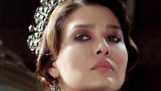 NURGUL YESILCAY (Gulperi), asa cum n-ati mai vazut-o niciodata! Iata cum arata frumoasa actrita in cel mai provocator pictorial realizat pana acum!