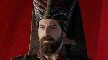 """Arcasul Mustafa din serialul """"Kosem"""", casatorit cu una dintre cele mai frumoase actrite din Turcia! Iata cum au stralucit Ismail Demirci si mireasa lui, Hande Soral la nunta de basm!"""