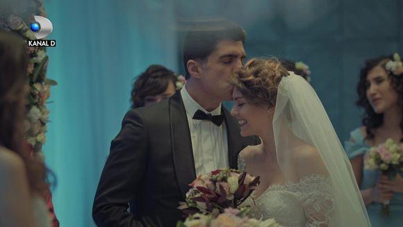 Esma si Ipek isi unesc fortele pentru a distruge dragostea dintre Faruk si Sureyya! Afla ce plan diabolic vor pune la cale, in aceasta seara, de la ora 20:00, la Kanal D!