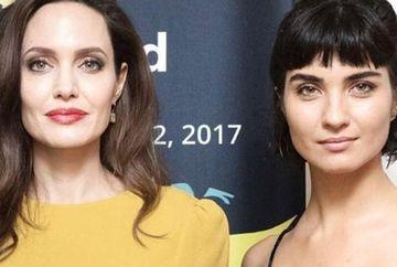 Una dintre cele mai in voga actrite din Turcia, intalnire memorabila cu Angelina Jolie, in cadrul unei prestigioase gale, in Los Angeles! Iata cine este celebra vedeta si ce tinuta uluitoare a purtat in cadrul evenimentului!