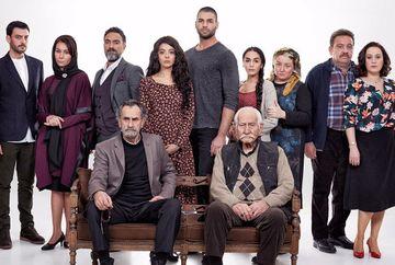 """Actorul Arif Erkin (bunicul lui Seyit din """"Steaua sufletului""""), un adevarat parinte pentru toti colegii sai din serial! Iata ce relatie frumoasa de prietenie a stabilit cu mai tinerii sai discipoli!"""