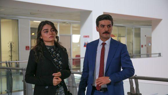 """Yurdal, tradat de Oktay! Afla ce plan va pune la cale procurorul pentru a distruge familia Sargun, in aceasta seara, intr-un nou episod din serialul """"Meryem"""", de la ora 20:00, la Kanal D!"""