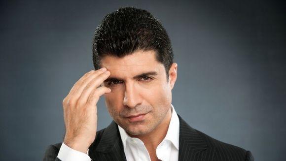 """Ozcan Deniz (Faruk din serialul """"Mireasa din Istanbul""""), impacare istorica cu unul dintre marii sai rivali! Iata ce anume l-a determinat pe celebrul actor sa ia decizia importanta!"""