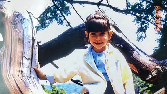 """Recunoasteti micuta din imagine? Este una dintre cele mai indragite actrite din distributia serialului """"Bahar: Viata furata""""! Astazi are deja propria familie si viseaza sa devina mama!"""