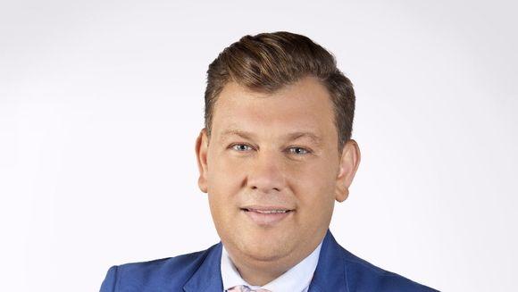 """Mihai Ghiţă, prezentatorul """"Asta-i România!"""" a vorbit în exclusivitate cu RADAR DE MEDIA despre culisele realizării uneia dintre cele mai apreciate emisiuni din peisajul media autohton"""