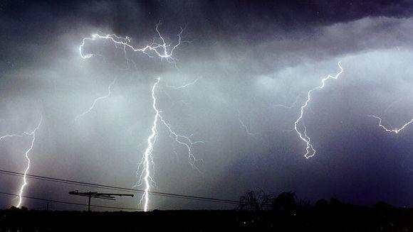 AVERTIZARE METEO: Cod galben de furtuna si vijelii! Iata ce zone sunt vizate
