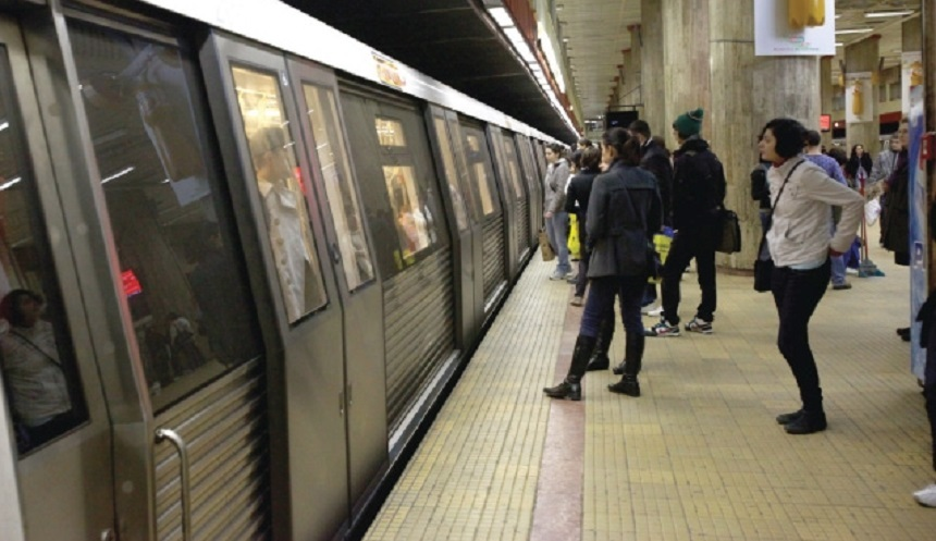 Crima de la metrou: ce exista sub buza peronului din fiecare statie! Putini dintre cei care merg cu metroul stiu acest lucru, fata care a murit se putea salva