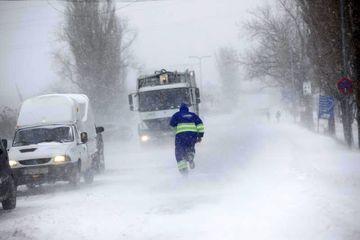 Nu scapam de iarna! Meteorologii avertizeaza: ninsorile si viscolul se extind! Uite ce zone vor fi afectate