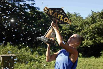 Exatlon Romania a fost castigat de o femeie! Beatrice Olaru si-a adjudecat mult ravnitul trofeu Exatlon si premiul de 100 000 de Euro!