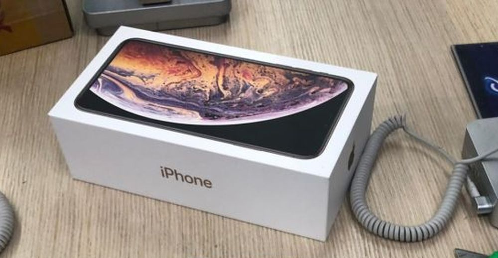 Teapa secolului! Ce a gasit o femeie din Craiova in cutia unui iPhone pe care a dat 6.800 de lei