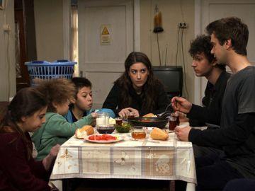 """Cea mai mare dorinta a lui Filiz se indeplineste! Afla ce anume se va intampla cu familia Elibol, in aceasta seara, intr-un nou episod din serialul """"Povestea noastra"""", de la ora 20:00, la Kanal D!"""