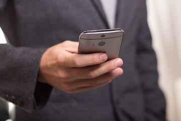 E VITAL! Cum te protejezi de radiatiile telefonului mobil