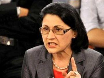 Ministrul Educatiei, Ecaterina Andronescu, se gandeste sa introduca segregarea in scolile romanesti. Reactia unui medic psihiatru