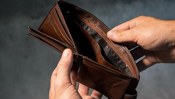 "Sute de pensionari, lasati fara bani. Vestea a cazut ca un trasnet: ""Trebuie facuta o ancheta!"""