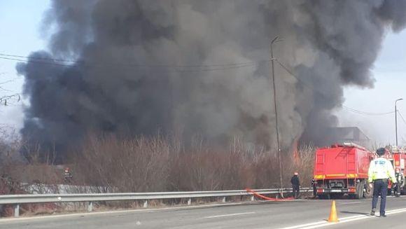 [Video] Alerta! Un nor TOXIC de fum se indreapta spre Bucuresti! Oamenii, sfatuiti sa nu iasa din case