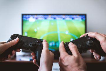 PS4 vs XBOX One - Care este cea mai buna consola de gaming?