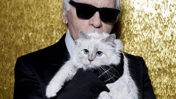 """Cauza mortii lui Karl Lagerfeld. Apropiatii sunt si acum socati """"Nu a vorbit despre acest lucru"""""""