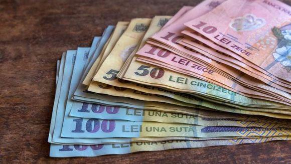 Se dau bani gratis de la primarie: zeci de mii de persoane primesc stimulentul! Cine sunt cei norocosi