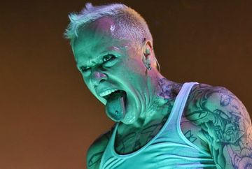 DOLIU in lumea artistica! Solistul trupei The Prodigy, gasit mort la 49 de ani