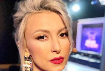 """Andreea Balan, cu fetita in brate, mesaj EMOTIONANT pentru fani """"Dupa doua zile de lupta ca sa traiesc..."""""""
