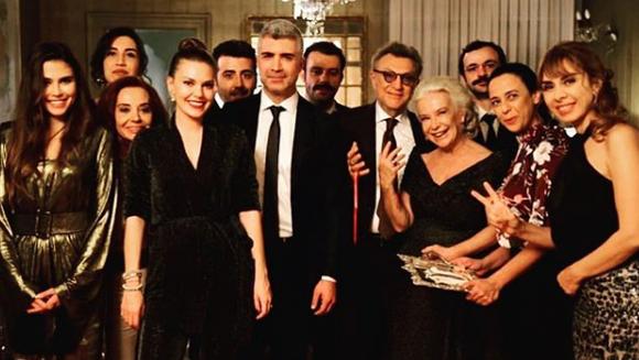 """Una dintre cele mai indragite actrite din serialul """"Mireasa din Istanbul"""" a divortat! Iata cine este celebra actrita care s-a despartit la varsta de 50 de ani!"""