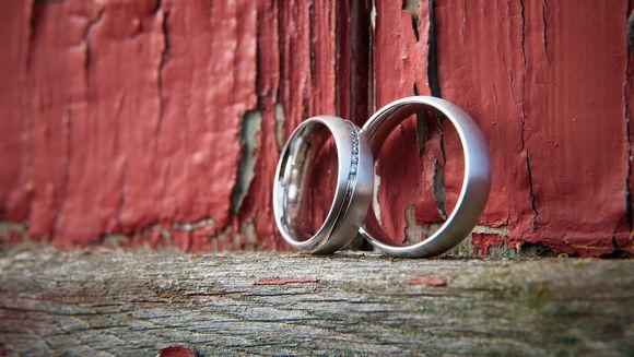 Cadouri pentru nunta de argint: 5 idei care te costa mai putin de 200 Ron!