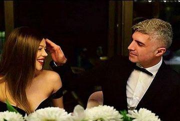 """Ozcan Deniz (Faruk din serialul """"Mireasa din Istanbul"""") a pus capat tuturor speculatiilor cu privire la divortul de mai tanara Feyza Aktan! Iata dovada graitoare ca celebrul actor este cel mai fericit sot si tatic!"""