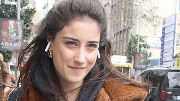 """Celebra Hazal Kaya (Filiz din serialul """"Povestea noastra"""") ar renunta la serialele turcesti care au consacrat-o, pentru a juca in productii din America Latina? Iata ce marturisiri inedite a facut talentata actrita!"""