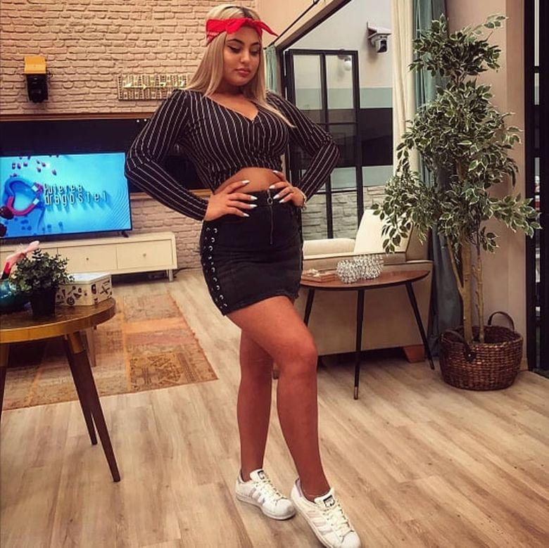 Raluca Marina, intrebare incomoda din partea unui fan: ''Mai esti virgina?'' Nimeni nu se astepta la REACTIA ei!