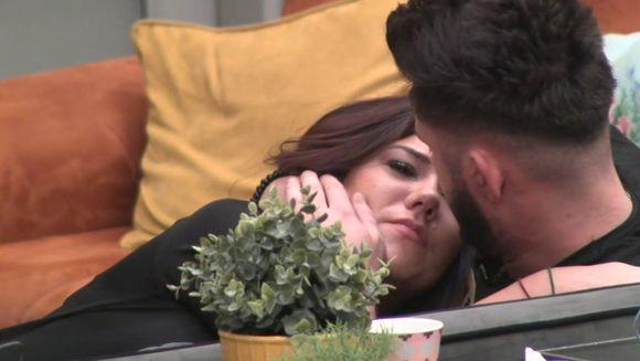Raluca, ingrozita de gandul ca Lavinia, noua concurenta, o va desparti de Ricardo! Iata cum a reactionat tanarul la gelozia iubitei sale!