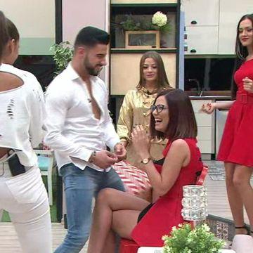 """Momente incendiare in casa """"Puterea dragostei""""! Bogdan a dansat lasciv pentru Raluca! Iata de la ce anume a plecat totul si cum a reactionat Ricardo!"""