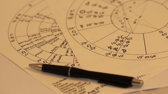 Horoscop 25 martie: Doua zodii, pandite astazi de un MARE PERICOL