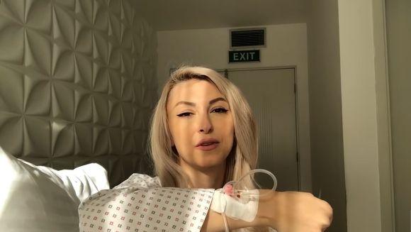 """Andreea Balan: """"Dati-mi morfina ca mor de durere"""". Artista a povestit totul despre cele trei operatii suferite in trei saptamani"""