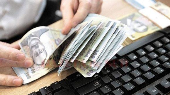 Vești proaste pentru românii cu credite. Ratele ar putea crește prin lege
