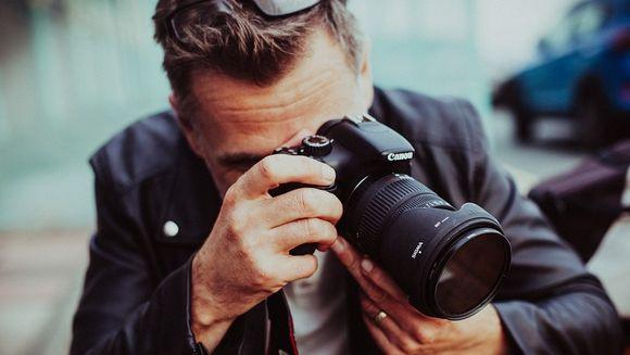 Canon DSLR sau Nikon DSLR? Sfaturi de la experti pentru fotografii amatori